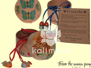 Friends amuletter med hjertemotiv-806