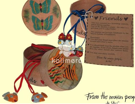 Friends amuletter med rosa blomstermotiv-808